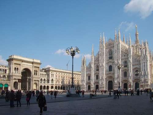Noleggio con Conducente per professionisti a Milano
